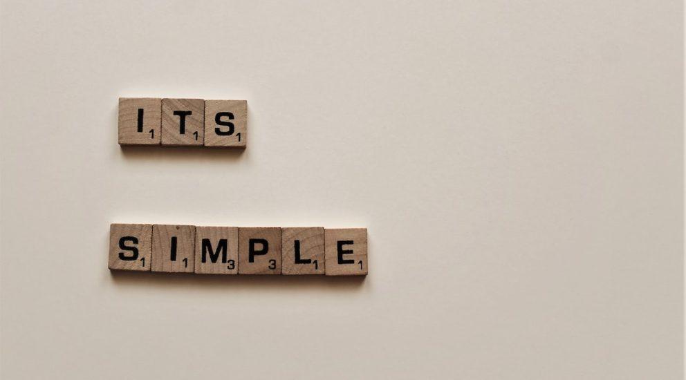 It's simple geschrieben mit Scrabble Buchstaben