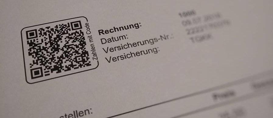 QR Code auf einer Rechnung gedruckt